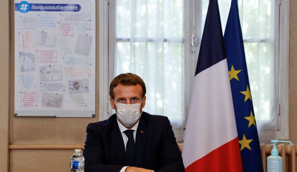 The end of the myth of the great soldiers, the maintenance of classification: the reform of Macron's ambiguous ENA