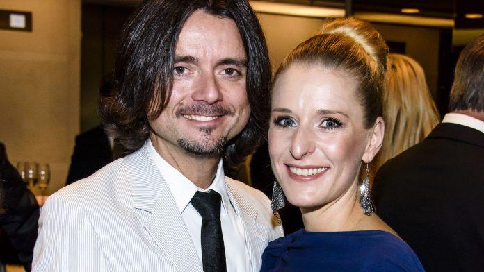 7th wedding anniversary: Stephanie Hertel congratulates Lanny