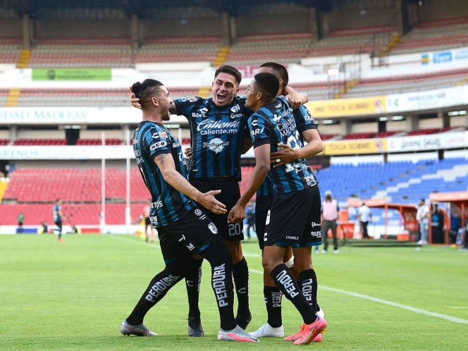 Gallus sings at La Corregidora and is close to the league
