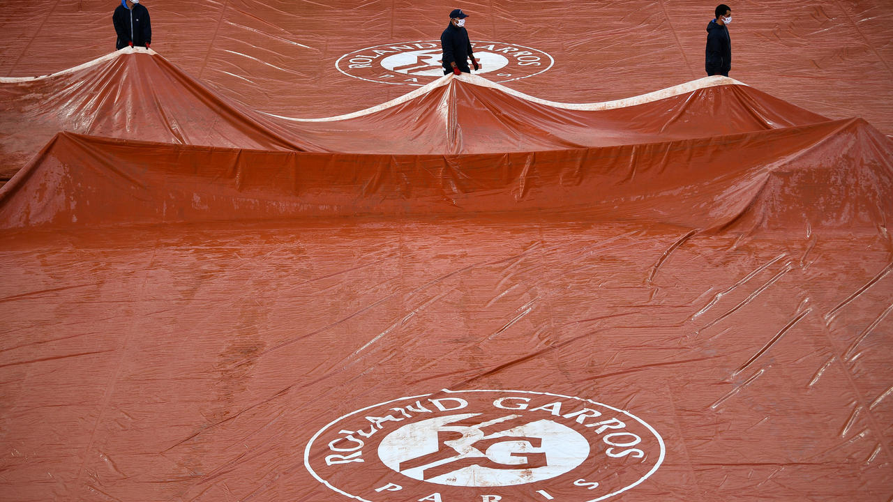 The Roland Garros tennis tournament will start in a week due to the pandemic