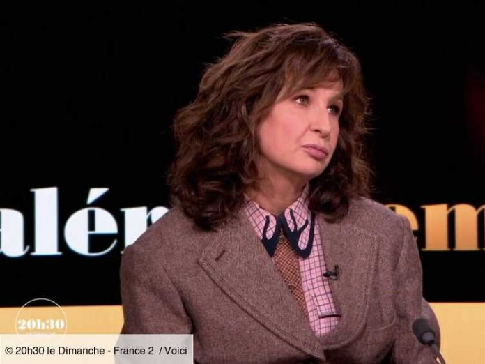 Video 8:30 Sunday evening: Valerie Lemercier tells an unexpected story about Jacques Villieres