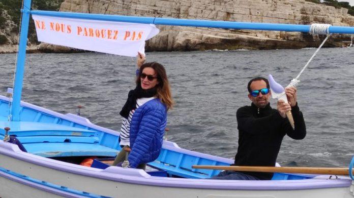 Ce couple de plaisanciers envisage de vendre sa barque si les restrictions ne sont pas levées.