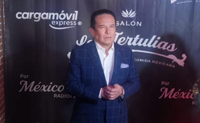 Gustavo Adolfo Infante llama tapadera de abusadores a Pati Chapoy y Mara Castañeda