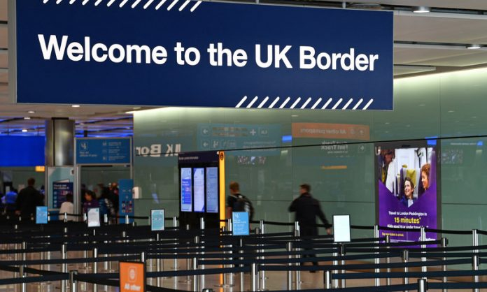 The case of Italians arrested, detained, and expelled from Great Britain as illegal immigrants