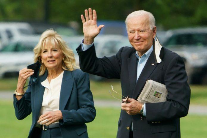 Joe Biden et sa femme Jill près de la Maison Blanche à Washington le 9 juin 2021