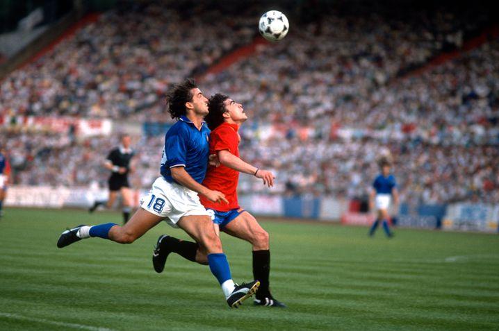 Mancini in the 1988 European Championship against Spain