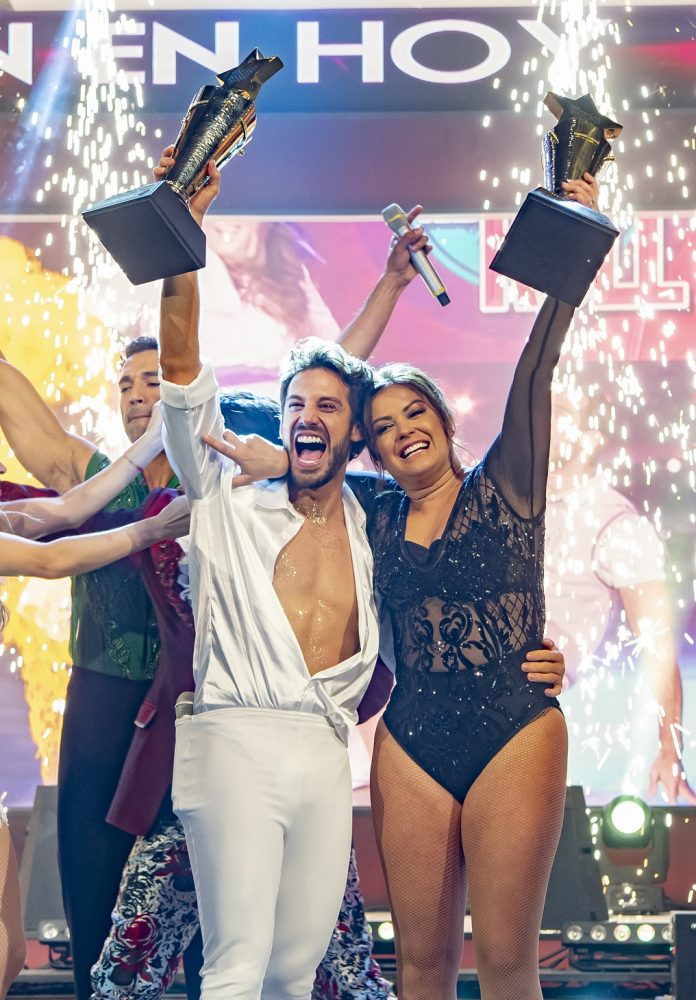 Mariana Echevarria and Lamda Garcia win 'The Stars Dance the Day' award