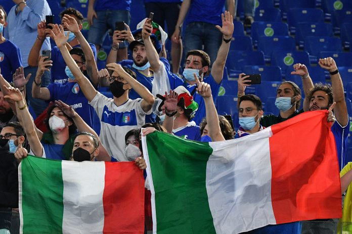 6am News - Euro 2021: Supporters celebrate their return to the field