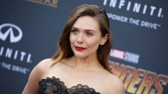 Elizabeth Olsen 'accidentally' reveals that she is actually married to Robbie Arnett: VIDEO
