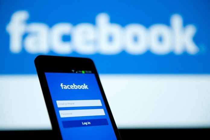 Facebook works well on a smartwatch