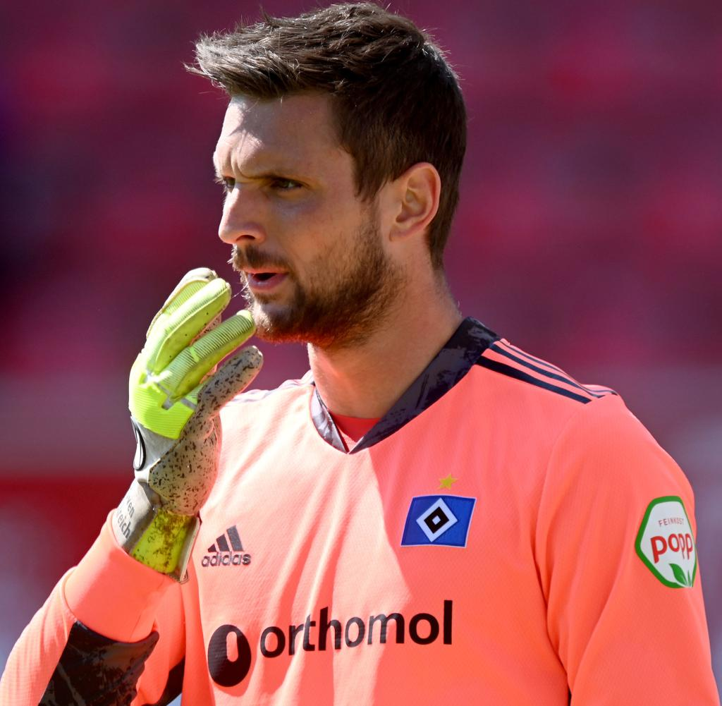 Sven Ulrich conceded 40 goals last season and conceded no goal in nine matches