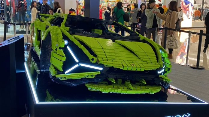 Lego crea un Lamborghini Sián en tamaño real