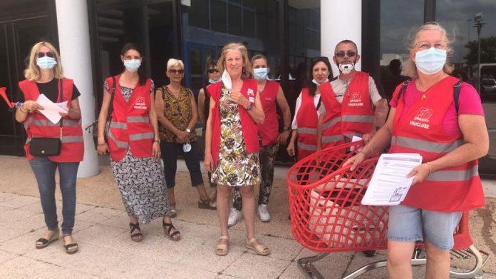 Les salariés d'Auchan-Le Pontet se sont mobilisés ce vendredi à l'appel de FO pour dénoncer la dégradation de leurs conditions de travail