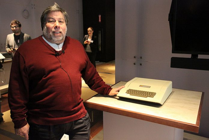 Right to Fix Earnings (choice) Support from Apple co-founder Steve Wozniak