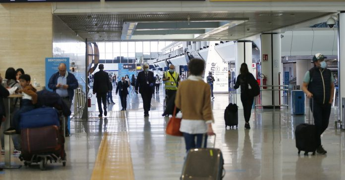 The government is considering filtering the arrivals from Spain and Portugal - Libero Quotidiano