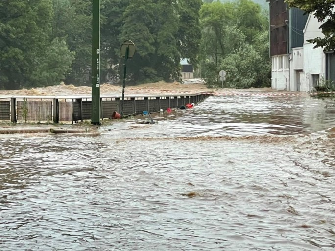Liege on his knees, Verviers gets up under the water [FOTO e VIDEO]