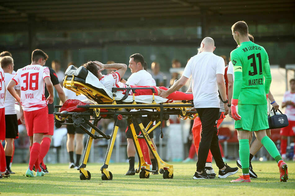 Marcelo Saracci had to be taken off the field injured on a stretcher.