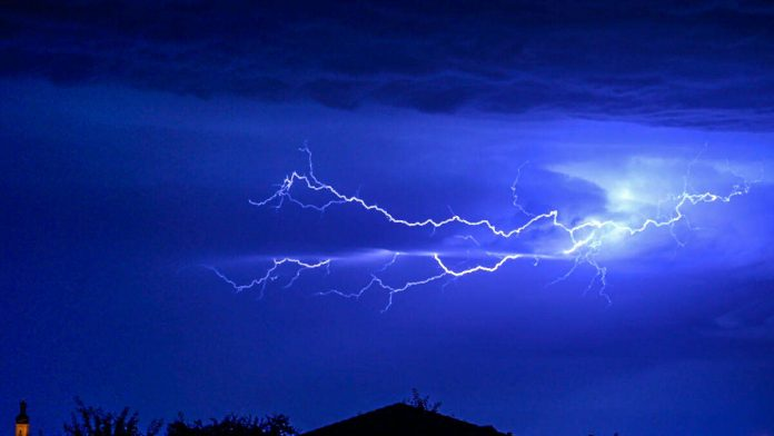 Weather / Bavaria: Thunderstorms Reach Other Areas - Police Take First Stake
