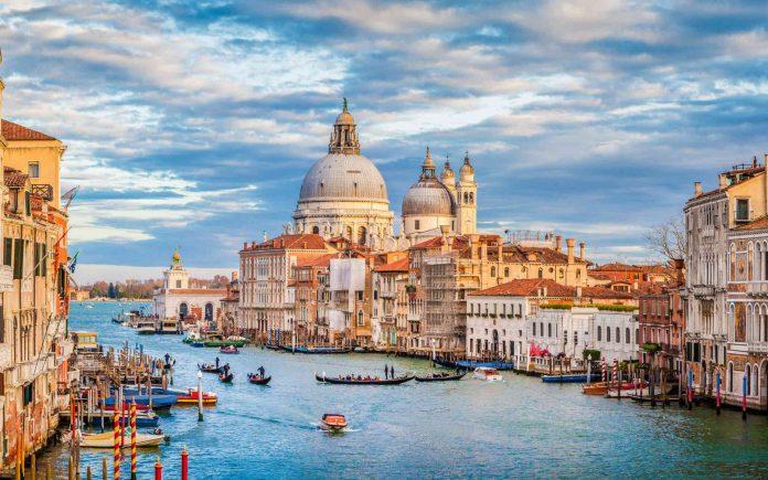 Venise est construite sur une lagune mais cette zone était émergée il y a plusieurs siècles. © JFL Photography, Adobe Stock