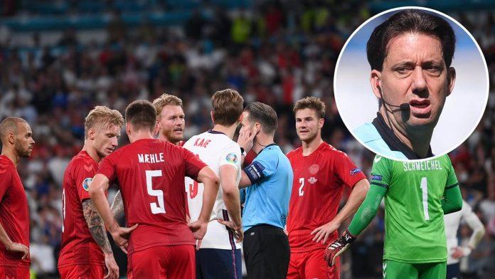 Ex-Bundesliga-Schiedsrichter Manuel Gräfe (kleines Bild) hat die Elfmeter-Entscheidung für England in der Verlängerung kritisiert.