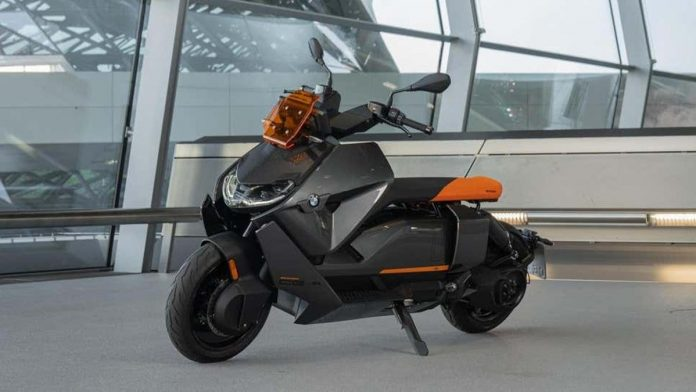BMW offers its first electric scooter