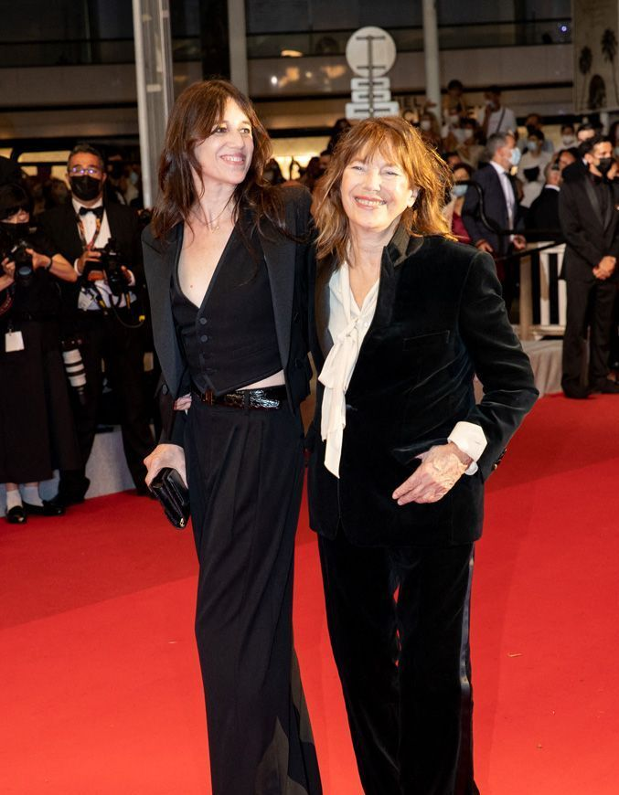 Cannes 2021: Charlotte Gainsbourg, surrounded by Jane Birkin and her son Ben Attal on the Croisette