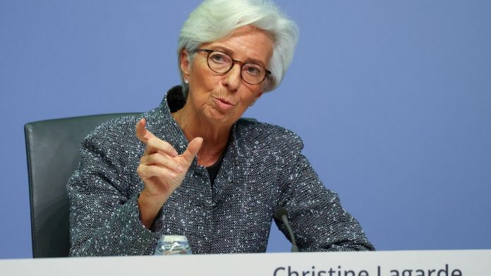 Christine Lagarde warns that Covid-19 and its variants make economic recovery uncertain