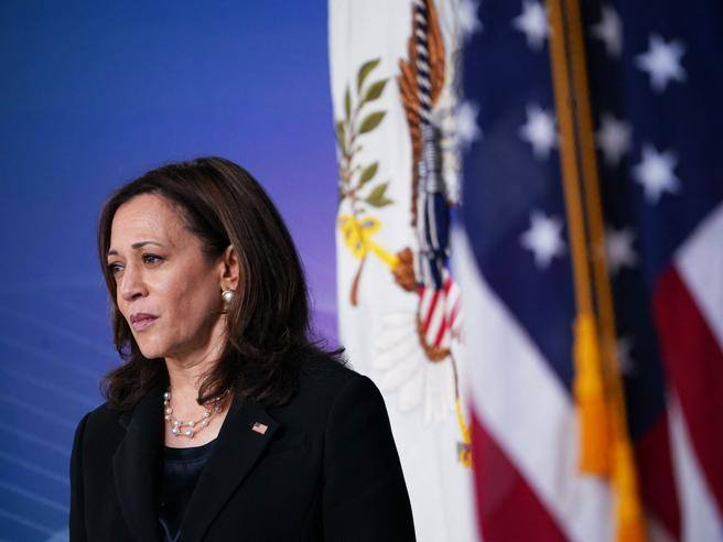 Kamala Harris, all the troubles of a vice president