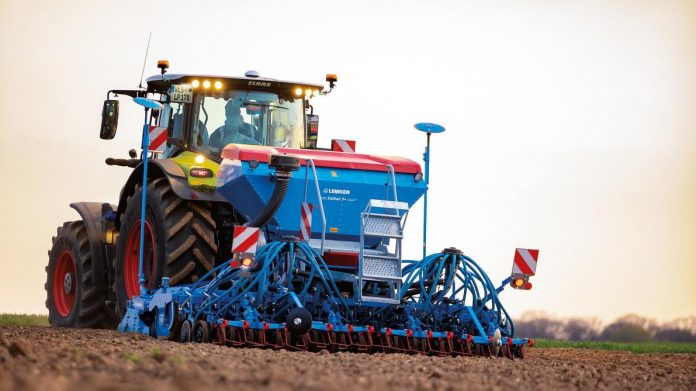 Lemken Solitair with double seed hopper: more seedling variety