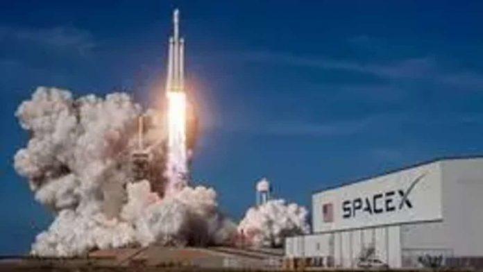 NASA: Space X lanzará misión Clipper a luna Europa