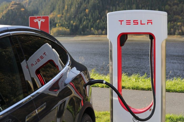 Tesla: Disney + in the car and unlock other manufacturers' Superchargers
