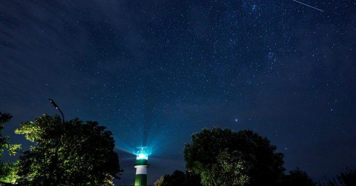 Hundreds of shooting stars burned in the sky