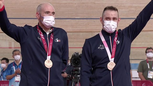 Fourth in trying 1000 million times in 2020 worlds, Raphael Pugier erases that disappointment with this Paralympic podium.  Accompanied by his pilot, François Pervis, the Frenchman took the bronze.