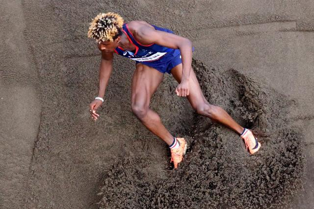 """Melvin Raven, qualifier for the triple jump final: """"Very relieved!"""""""