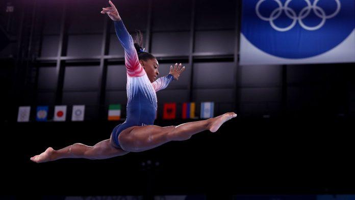 Olympia 2021: Simone Biles celebrates a successful comeback on the balance beam