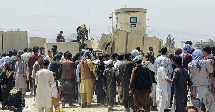 Two Italian planes left Kabul with 200 other Afghanis