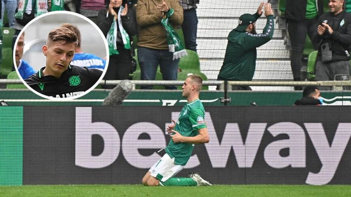 Marvin Ducksch (großes Bild) traf bei seinem Debüt für Werder Bremen doppelt - unter anderem versenkte er einen Elfmeter. Florent Muslija (eingeklinkt) hingegen, der für Hannover 96 in Darmstadt zum Strafstoß antrat und damit Nachfolger von Ducksch wurde, scheiterte.