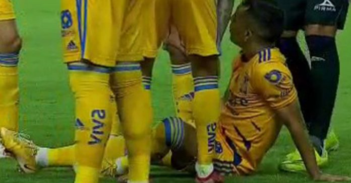 Unusual: Miguel Herrera suffered the loss of four key players to injury in Mazatlan against Tigres