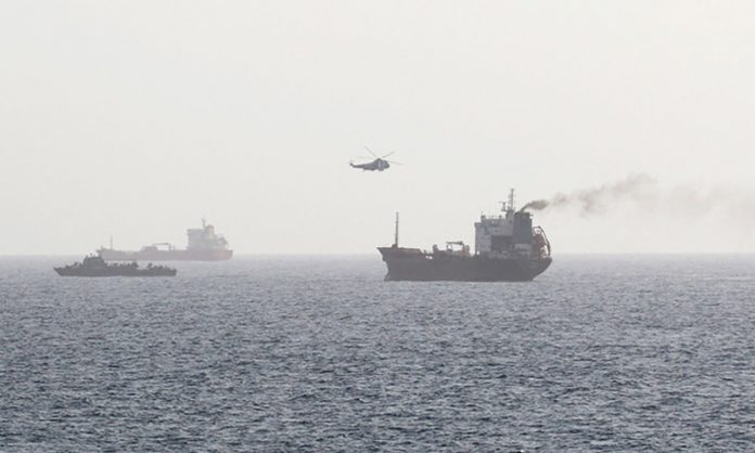 What is happening in the Gulf of Oman, 6 oil tankers lost control