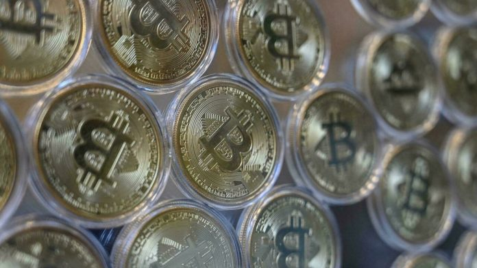 The arrival of Bitcoin to El Salvador as a national currency raises concern for the population