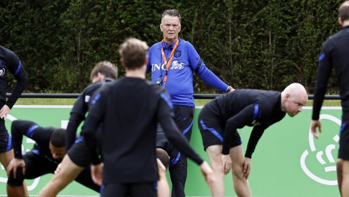 Holland eggs through World Cup qualification: Van Gaal sacrifices his pension for this pain