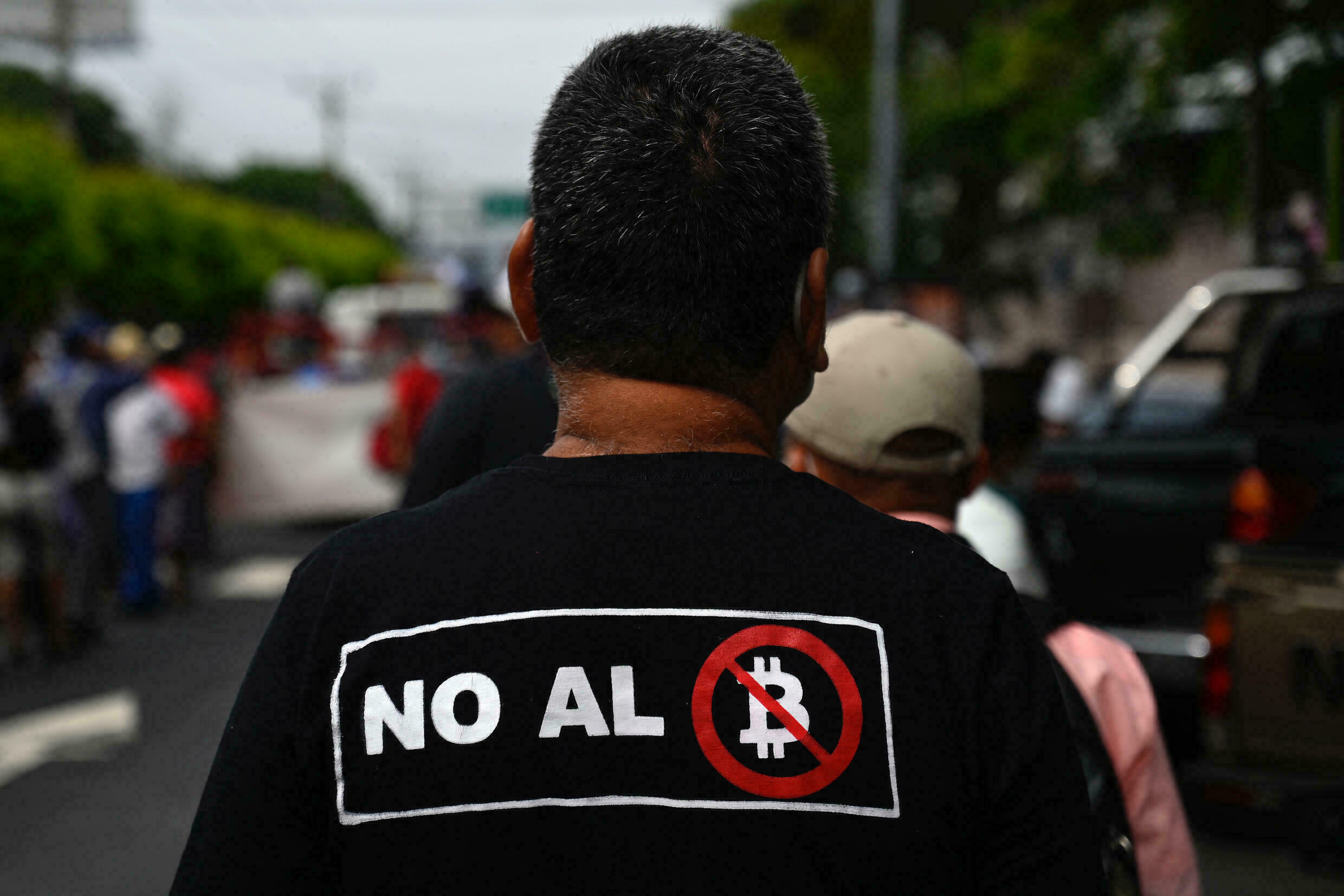 Veterans of the Salvadoran army and guerrillas marched through the streets of San Salvador on August 27, 2021 to protest specifically the arrival of bitcoin as the country's official currency.
