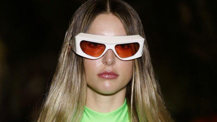 At Paris Fashion Week: Steve Jobs' daughter Eve made her debut