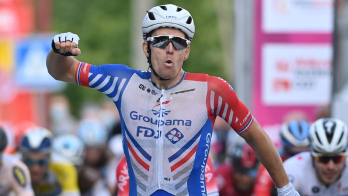 Paris-Tours 2021 - Arnaud Tamare saves his season by winning in a small group