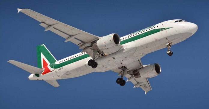 Chow!  Alitalia makes its last trips and retires after bankruptcy