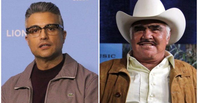 Memes left by the image of Jaime Camil featuring Vicente Fernandez
